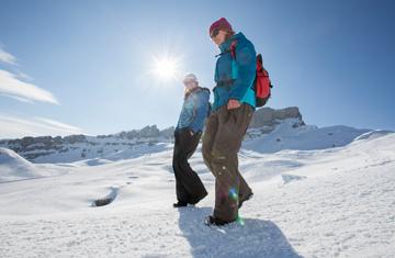 Wandern im Kleinwalsertal im Winter.