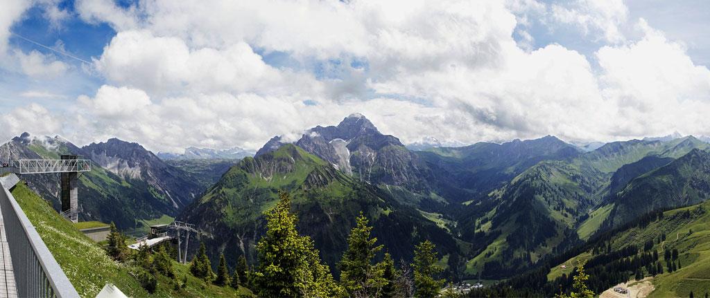 Nutzen Sie die Bergbahnen im Kleinwalsertal im Sommer kostenlos.